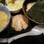 舎鈴 - 赤辛つけ麺(並)トッピング:切落しチャーシュー