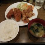 キッチン大正軒 - 豚しょうが焼とカキフライ定食