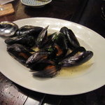 湘南の魚とワインの店 ヒラツカ - 相模湾産のムール貝のワイン蒸し