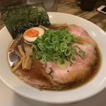 岡本商店 - 生醤油らぁめん〜( ゚∀. ゚)¥750円・*:..。o♬*゚