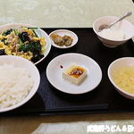 江南苑 - 日替わり きくらげと豚肉、玉子炒め