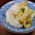 焼肉・ホルモン焼 双葉 - 白菜漬