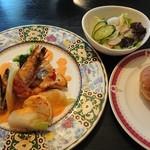 ダイニング カツヤ - 料理写真:魚介三種のポアレ アメリケーヌソース