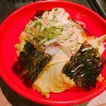 恵比寿焼肉寿司 別邸 - チョレギサラダ(中にパリパリ麺)