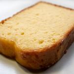 96360457 - 2018.11 レモンケーキ(1cut 320円)レモンとサワークリーム さっぱりケーキ
