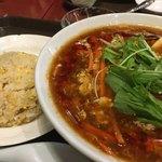 唐庄酒家 - 料理写真:黒酢サンラータン麺と半チャーハン