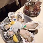 Oyster Bar ジャックポット - 生牡蠣3種盛り合わせ