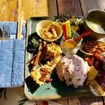 畑カフェ レインボーアート - 料理写真:lunch A(酢豚を選択)デリプレート1,000円
