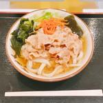 たっちゃんうどん - 料理写真:肉うどん500円