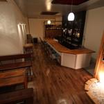 カフェ&バー スナフキン - 全体写真2