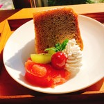 cafe ゆるり - バナナのシフォンケーキ