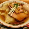 百笑食堂いしかわや - 料理写真:特製わんたん中華そば(醤油)