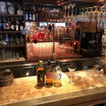 メキシカンバーロスカボス - バーカウンターでお酒をお作りいたします