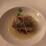 ムッシュ・カワノ - 白甘鯛の鱗焼ソースヴァンブラン