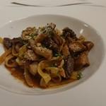 96404738 - 牛肉とポルチーニ茸のパスタ