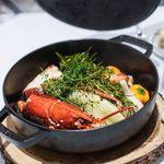 Grand rocher - オマールブルーの蒸し焼き、 海老味噌のソース、 百合根、ダリア