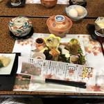 白鷺温泉白鷺館 - 料理写真:夕食メニュー