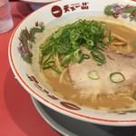 天下一品 - 料理写真:こってりスープは美味しいですが、やや少なめ