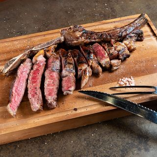 40日間かけて寝かせた熟成肉をステーキでご賞味下さい