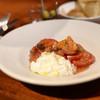 ボッテガ - 料理写真:完熟トマト・プラッターチーズ・柑橘のサラダ