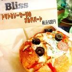Cafe&Dining Bliss -  トマトとソーセージのプルアパート