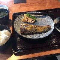 産直の魚貝と日本酒・焼酎 和バル 三茶まれ-