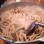 炊き餃子・手羽先 オクムラ - モツ鍋にチャンポンが投入されました~♪
