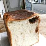 96428767 - いちご食パン