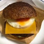 サンマルクカフェ - 料理写真:コロッケチーズバーガー 370円。