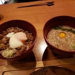 96434173 - 鴨そぼろ丼&自然薯麦とろ飯