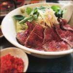 麺屋 承太郎 - 料理写真:タリアータ (薄切りビーフ) まぜそば。紅天追加。