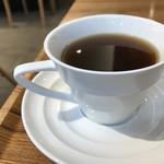 コンパルティール ヴァロール - ホットコーヒー、苦めのブレンドで美味しいですよ!もちろんブラックです(2018.11.13)