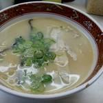 四川ラーメン - 料理写真:とんこつラーメン