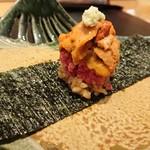 96457456 - ヒレ&サーロインの雲丹手巻き寿司