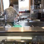 甚九郎 - 店主 蕎麦を茹でてる