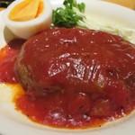 楽居 - 料理写真:マルシンペッパーハンバーグトマトソース