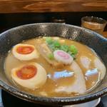 麺処 ほんだ - 濃い節醤油ラーメン米白湯¥900+煮卵¥100