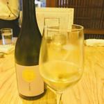 炭と地酒とたしなみワイン Kai本店 醸す - 山口の亜麻色   甘口なのに、スッキリキレがある。美味しい❤️
