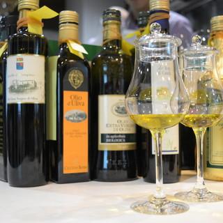 イタリアから取り寄せた70種類以上のオリーブオイル
