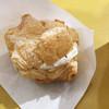 カントリーマアム FACTORY - 料理写真:窯だしパイシュークリーム(カントリーマアムクリーム)