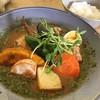 スープカレー鳩時計 - 料理写真:チキンと野菜のスープカレー