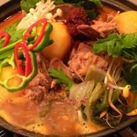 新古房 - カムジャタン☆辛1 豚の背骨とジャガイモ当店自慢煮込み鍋。おいしさの秘訣はスープ。◆写真をクリック♪