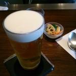 96473136 - 生ビールとピクルス