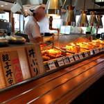 丸亀製麺 - 天ぷらを見るとついねぇ