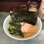 つくし亭 - 料理写真:ラーメン中(¥750)