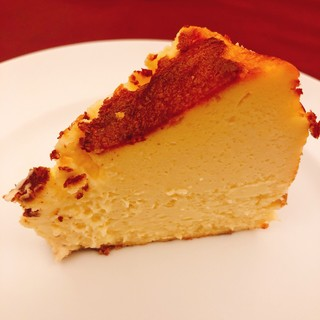 1日10食限定◆濃厚なバスクチーズケーキを是非ご堪能ください