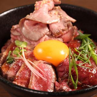 ランチでも大人気!3種のお肉を楽しめるトリプルロマンライス☆