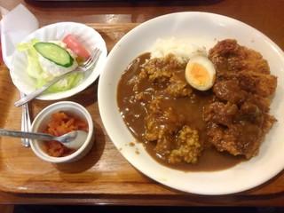 ブラボオ - カツカレー900円(税込)