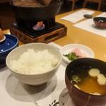 岡喜本店 - ご飯は近江米 玉子は近江玉子 お味噌汁の味噌は儀平味噌