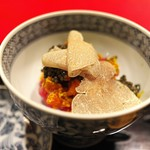 にくの匠 三芳 - もち米にタルタルにしたサーロイン、上海ガニ、トリュフ。キャビアを塩分代わりに。